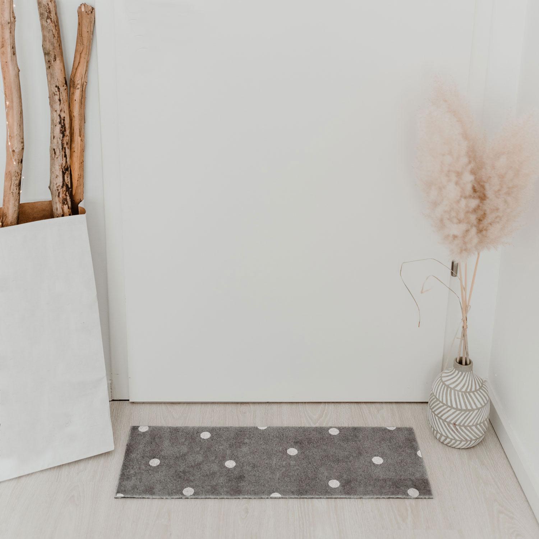 "Fußmatte ""Grey With Dots"""